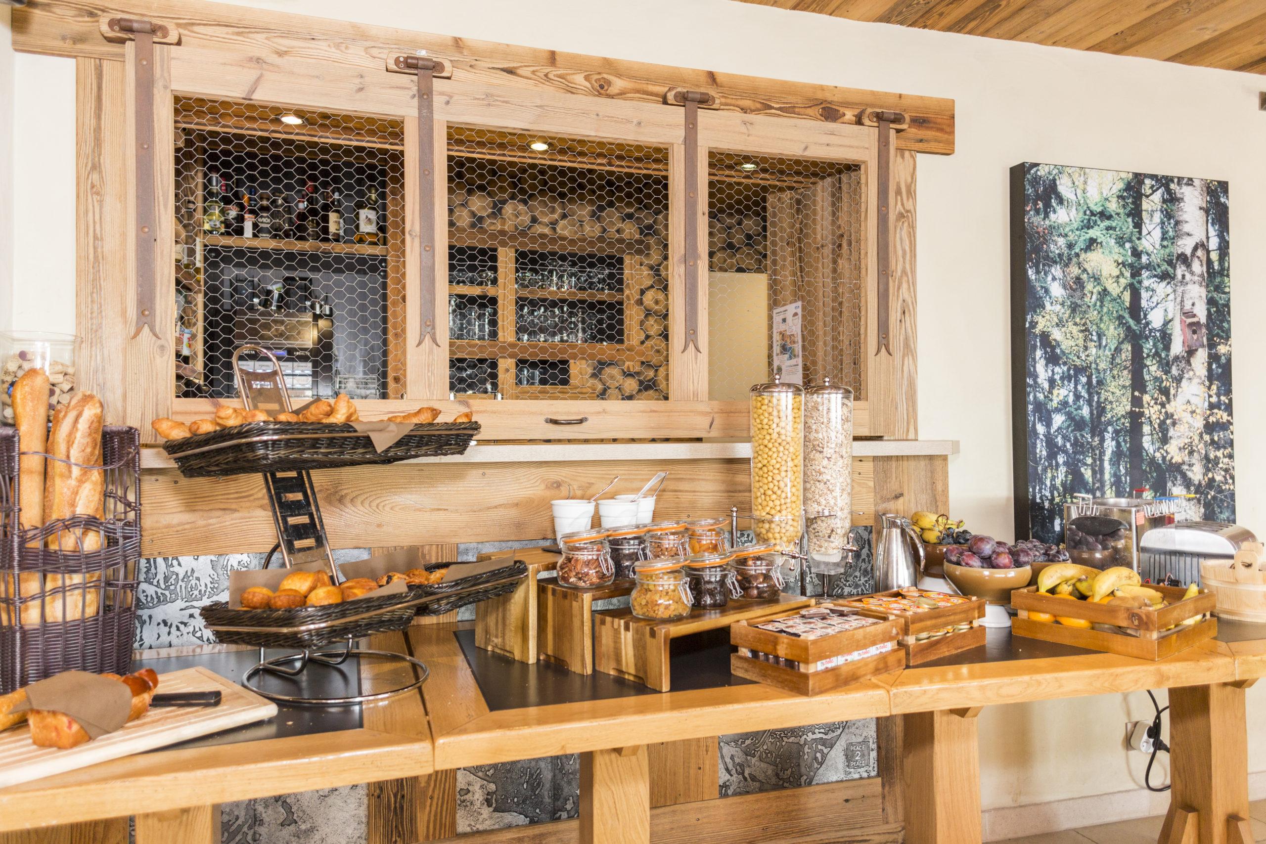 Hôtel restaurant Bois Joly petit déjeuner